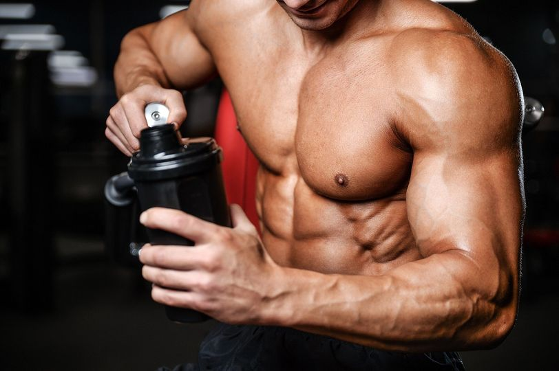Základní suplementy pro svalový růst. Jaké vybrat a jak je správně používat?