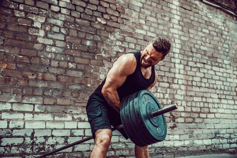 Zaměřeno na hloubku zádových svalů. Jak vybudovat hmotu zad?