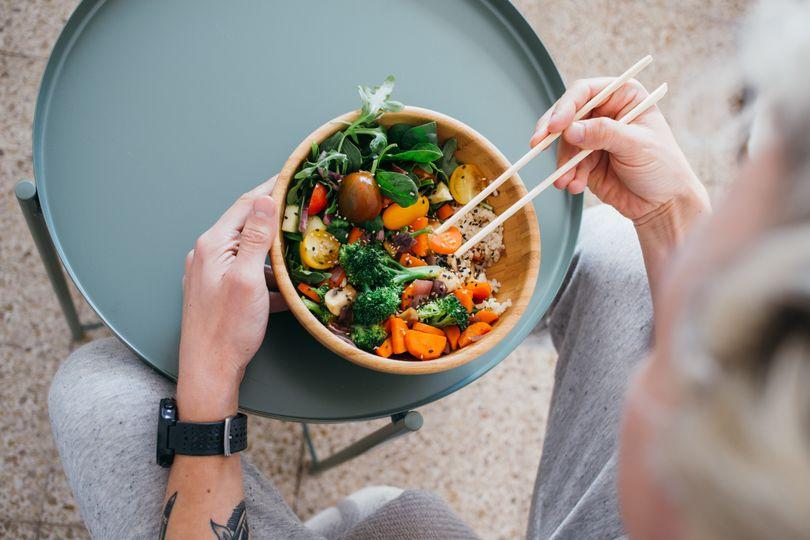 Zdravá strava nemusí být drahá. Ukážeme vám, jak jíst zdravě, chutně a levně