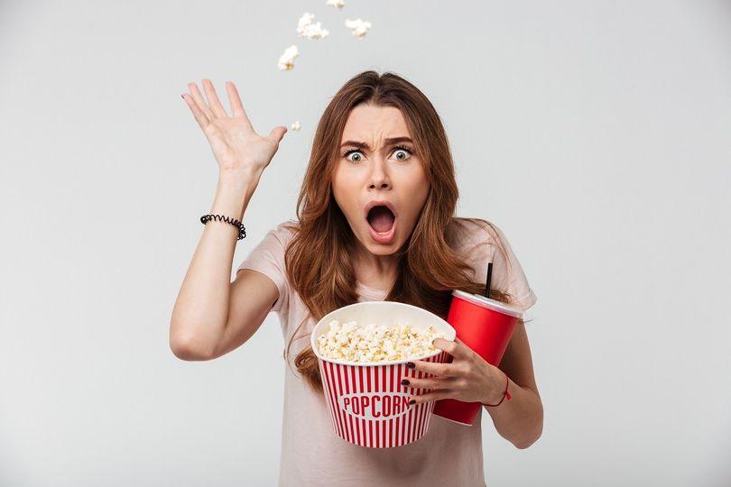 Zdraví škodlivé látky v obalech potravin. Máme se bát jíst popcorn?