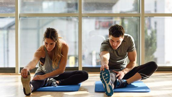 Bez strečinku vám hrozí svalová zranění. Kdy a jak zařadit protahování?
