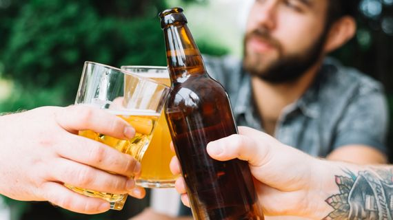 Dělá pivo opravdu hezká těla? Jak odpovídá tělo sportovce na konzumaci alkoholu