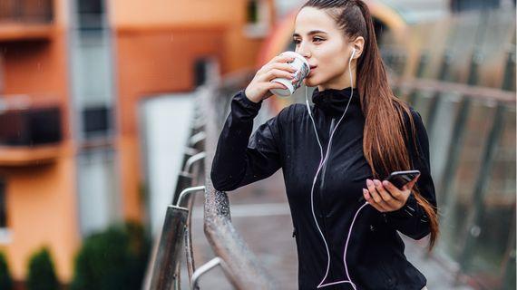 Kofein: jaký vliv má na naše zdraví a pomůže nám při sportu?