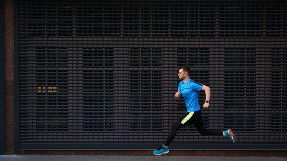Pokročilé běžecké techniky: co vše stojí za běžeckou výkonností?