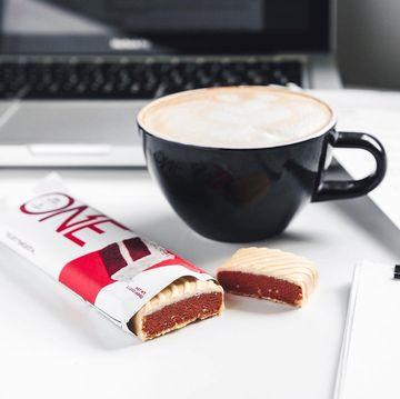 Když jde o tyčinku ke kávě, nejen my sázíme na jistotu v podobě One bars.