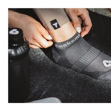 Kotníkové ponožky #makamnasobe se stanou nedílnou součástí tvého outfitu.