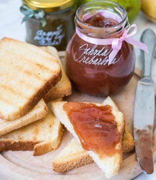 Marmelády s příběhem obsahují domácí šťavnaté ovoce bez chemických přípravků.