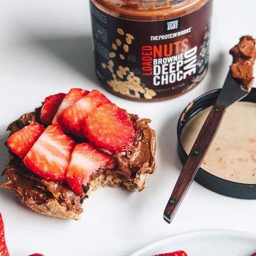 Pokud jste tým sladká snídaně, nemůžete určitě minout tento vyladěný ořechový krém.