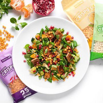 Slaná proteinová chuťovka Protein Crispies od Bodylabu vyšperkuje nejedno jídlo!