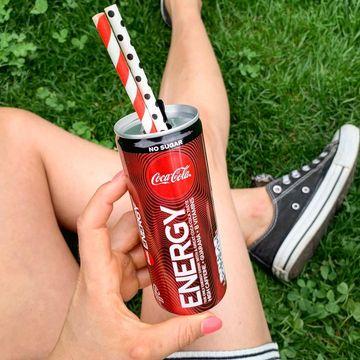 Trhák letošního léta - energeťák s autentickou příchutí Coca Coly!