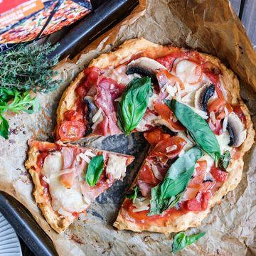 Z jednoho balení GymBeam protein pizza těsta tě čeká až 10 večeří.