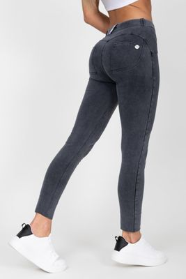 HUGZ Jeans Denim Mid Waist