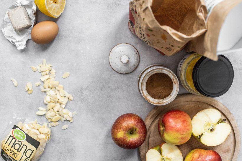 Kynuté skořicovo-jablečné pletence