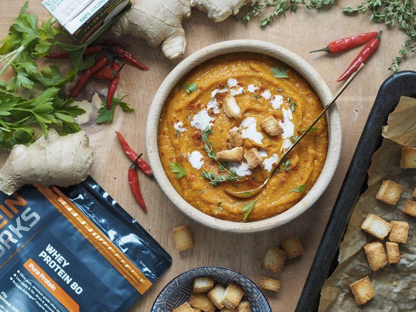 Jednoduchý recept z dýně: Polévka s proteinovými krutony