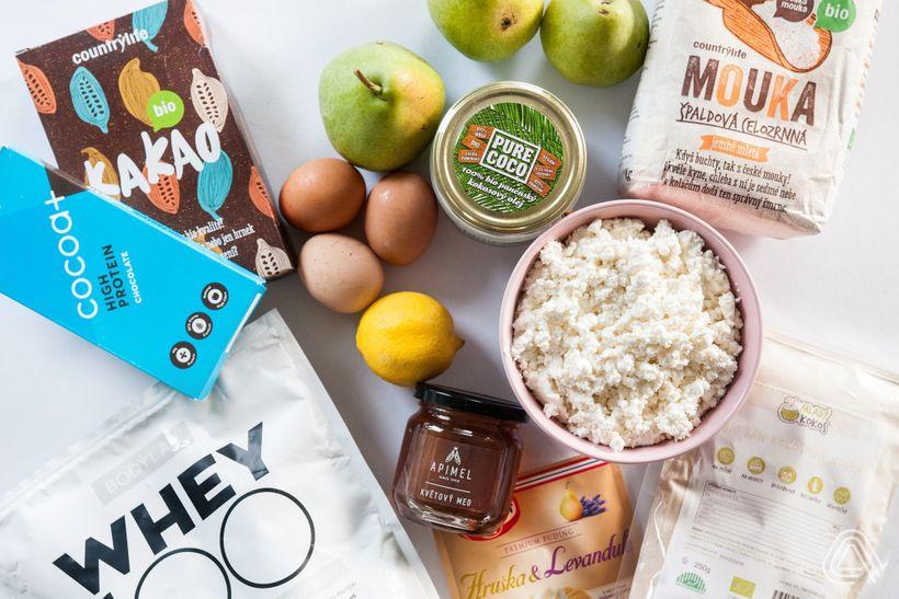 Je libo fit podzimní dezert? Tento vláčný hruškový koláč vyhraje vaše srdce