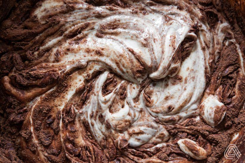 Sen každého čokoholika: Cheesecake řezy s trojitou porcí čokolády