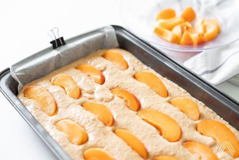 Rychlý a šťavnatý meruňkový koláč ve fit verzi