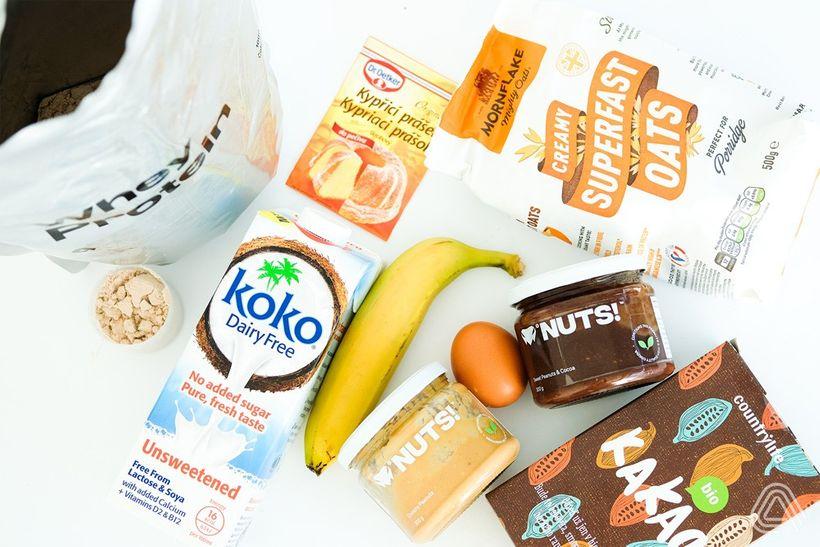 Čokobanánový mug cake: Rychlá snídaně z mikrovlnky