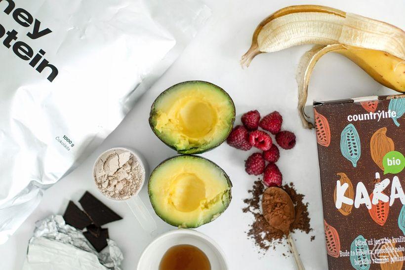 Našlehaná avokádová čokopěna: Rychlá a živinami nabitá svačina