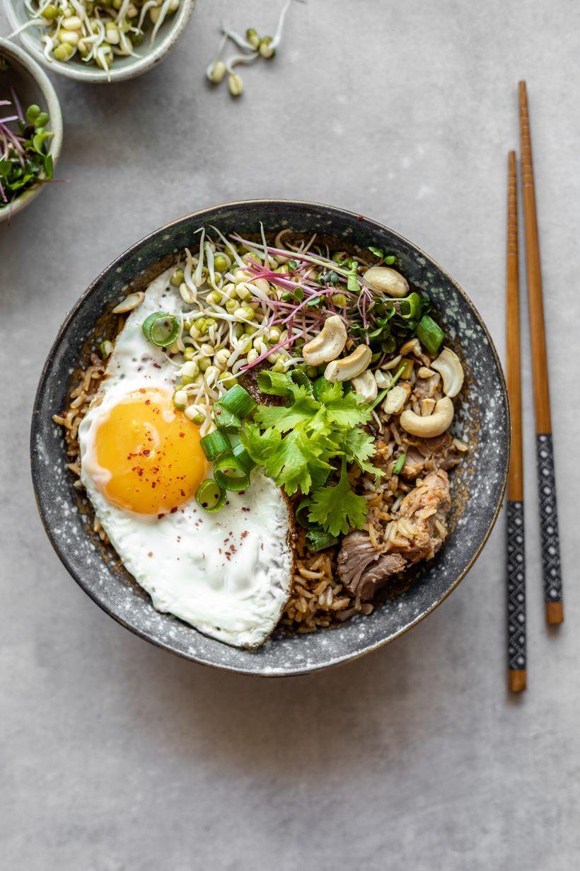 """Rychlý oběd zjedné pánve: Smažená rýže """"Nasi goreng"""""""