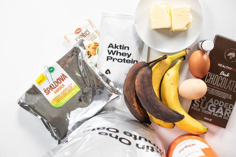 Vláčné banánové muffiny sproteinem a čokoládou