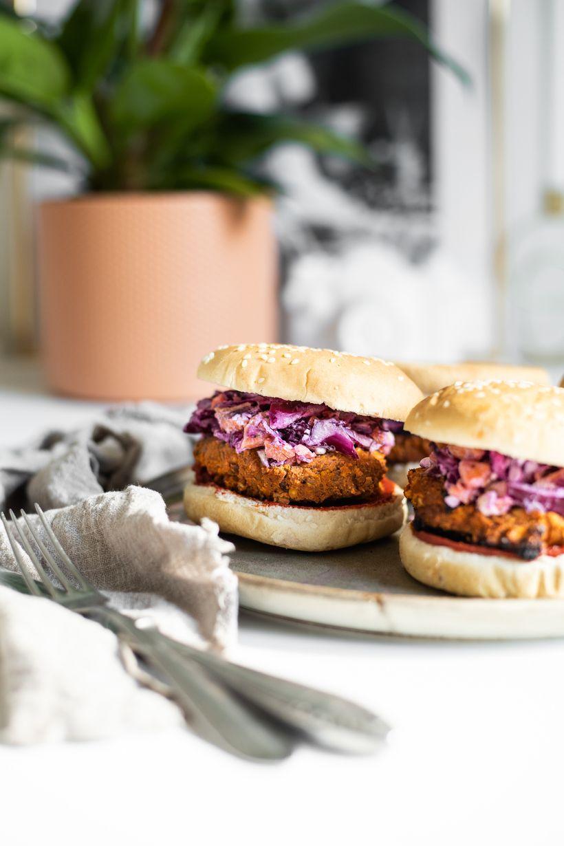 #vegan čočkové burgery plné chutí, na kterých si pochutná imasožravec