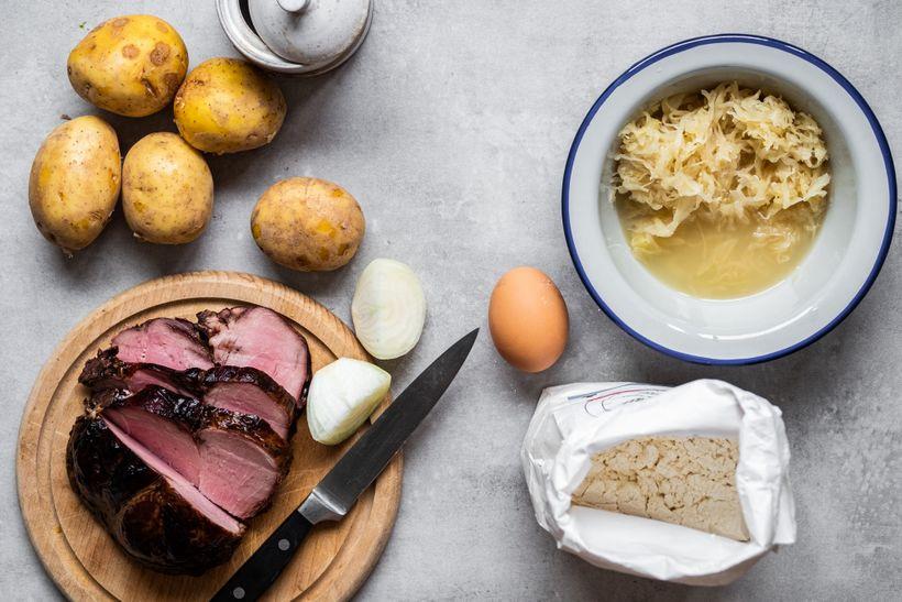 Česká klasika ve zdravé verzi: Plněné bramborové knedlíky se zelím