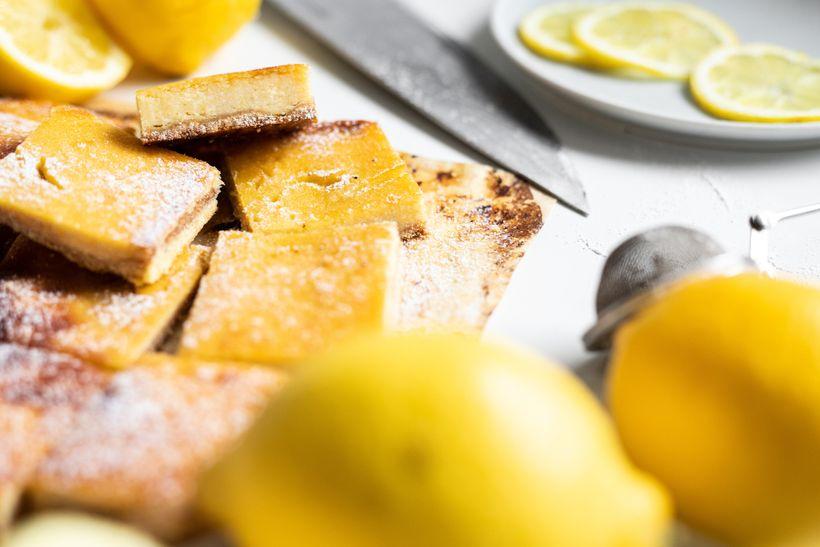 Citrónové řezy pro milovníky sladkých a svěžích dezertů