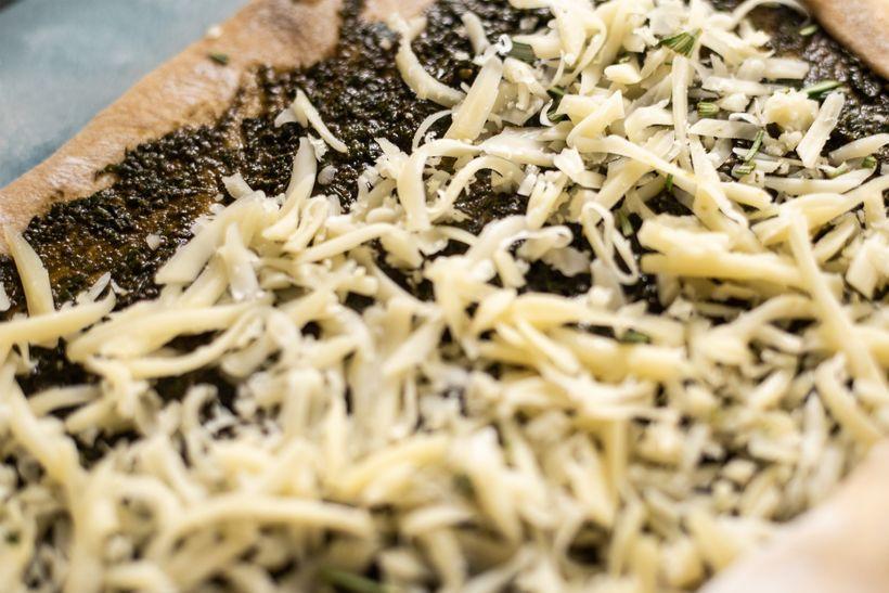 Sýrové šneky s bazalkovým pestem