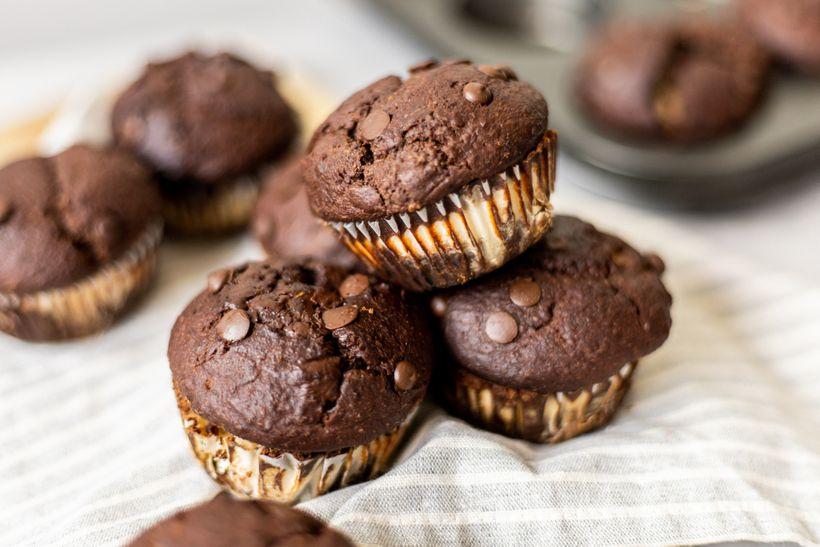 Čokoládové muffiny se šťavnatou tvarohovou náplní