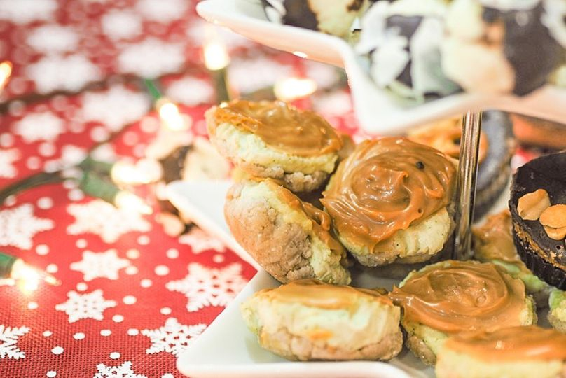 Nepečené fit cukroví: Mini cheesecaky se slaným karamelem