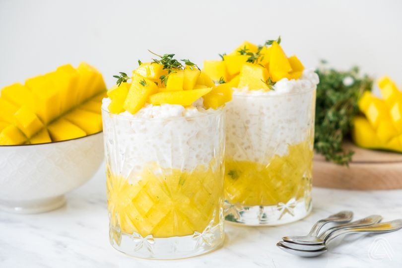 Chuť léta ve skleničce! Osvěžte se fit mangovo-kokosovým pudinkem z tapiokových perel