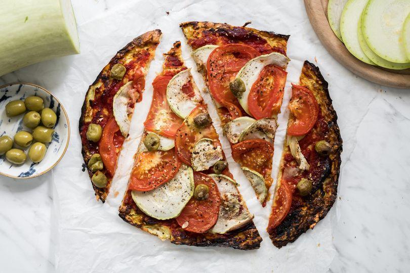 Dietní pizza za pár kalorií: Rychlá a zdravá cuketová pizza bez mouky