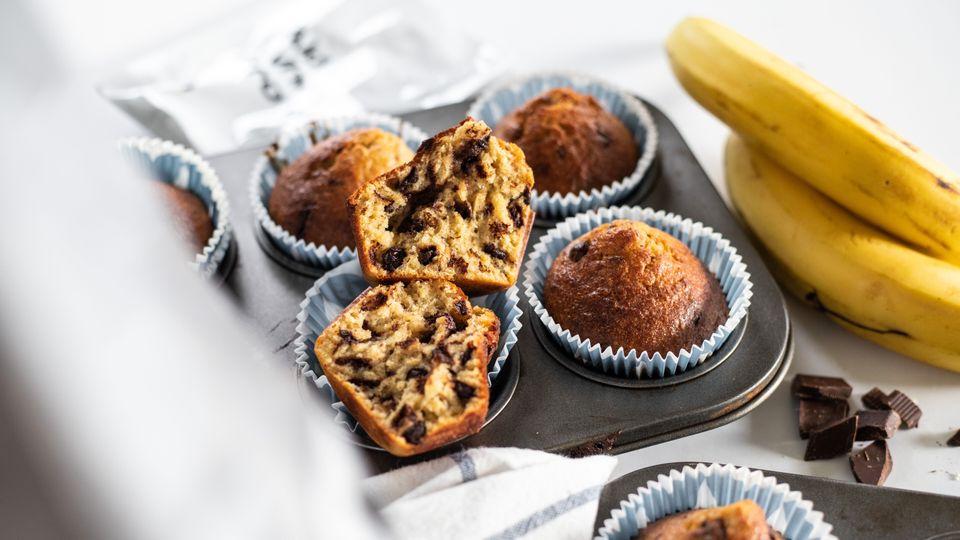 Vláčné banánové muffiny s proteinem a čokoládou