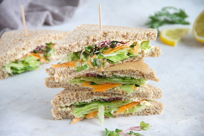 Rychlé sendviče s tofu pomazánkou