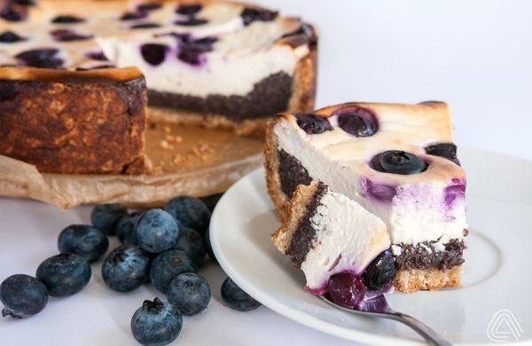 Takový úplně (ne)obyčejný tvarohový koláč s borůvkami