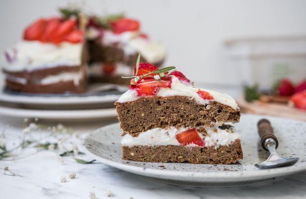 Šťavnatý a vláčný dort s tajnou letní ingrediencí