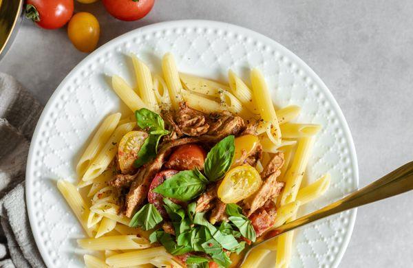Lehké těstoviny s rajčatovo-ricottovou omáčkou
